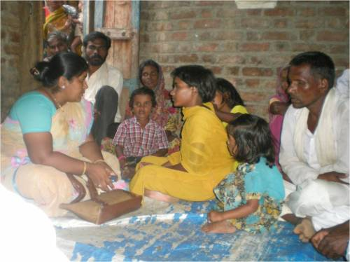 Pic 02 : Eye witness Miss Laxmi Aher - the daughter of Mr. Laxman Aher narrating incidence to CHR activist Manisha Tokle