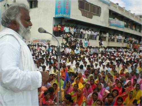 Pic 02: CHR president Adv. Eknath Awad addressing masses and  demanding  justice !